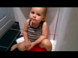 Смешной малыш поет песню видео дети