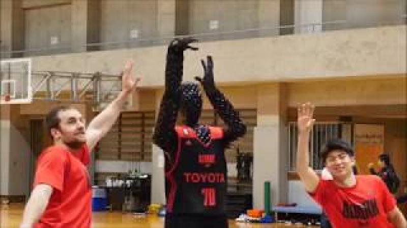 Japanese / Toyota Basketball Robot may one day beat LeBron James