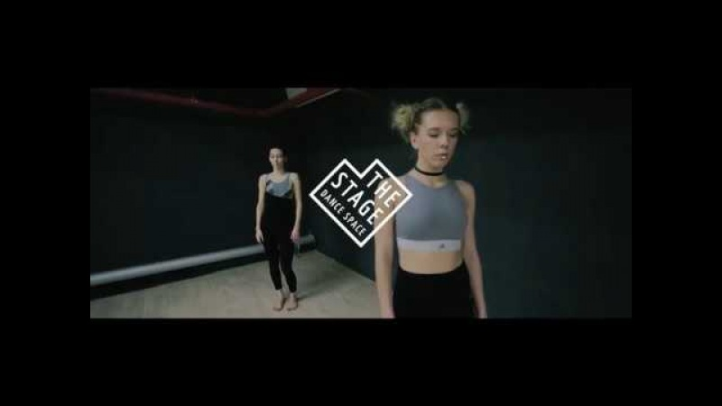 FKA Twigs Sia (cover) - Elastic Heart (Live) Lounge choreography by Artem Volosov