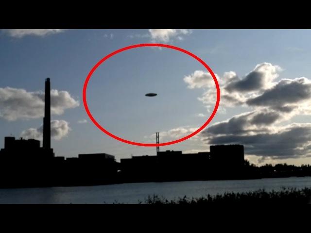 ASTONISHING UFO ALIEN SIGHTINGS CAUGHT ON TAPE 7th March 2018