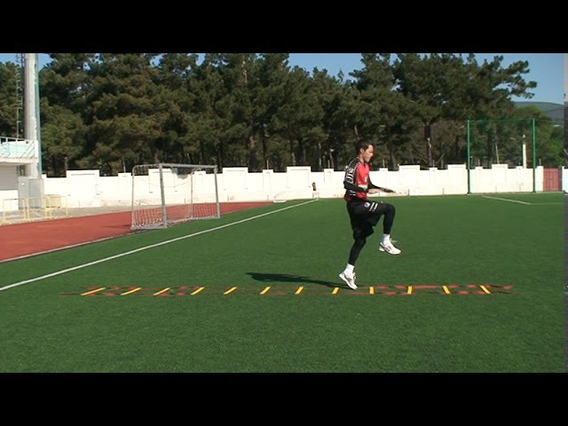 Football coaching video soccer drill ledder coordination Brazil 2