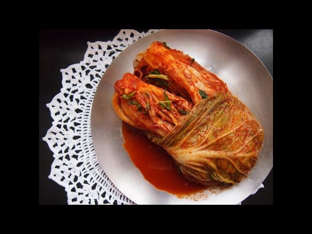 Корейская кухня бэчу кимчи (배추김치) или кимчи из пекинской капусты.