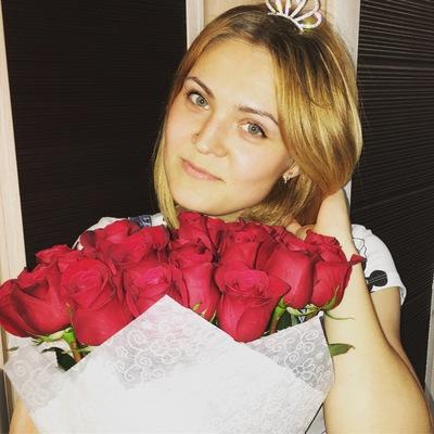 Лена Лешова