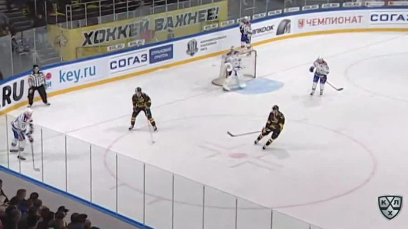 Моменты из матчей КХЛ сезона 17/18 • Опасный момент. Пара добиваний с пятака 08.09