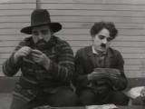 Неудачные дубли со съёмок фильмов Чарли Чаплина.