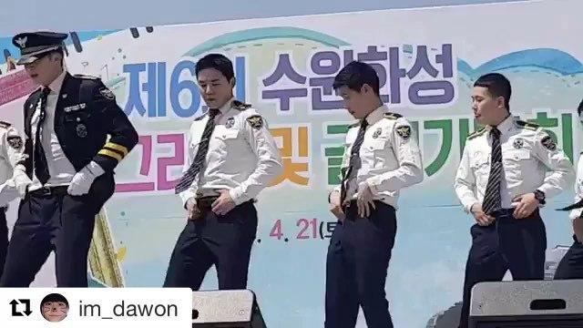 """이원준 (23) on Instagram """"Repost @im_dawon with @get_repost ・・・ 눈이 마주친 순간😏 @funk.won  ㅋㅋㅋㅋ야구대신 총과 팝핑"""""""