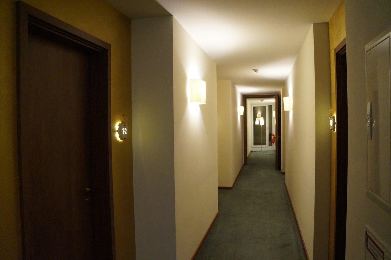 При заезде в отель мне дали 3 ключа - зачем?