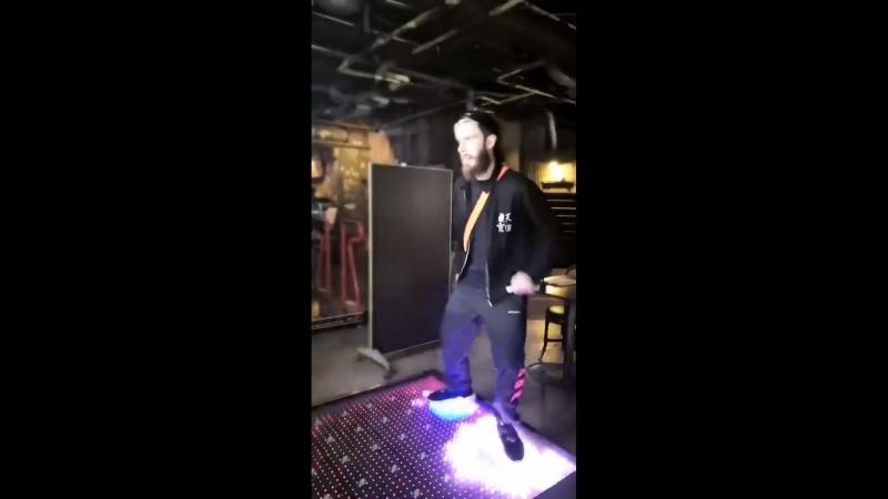 Pewds dancing