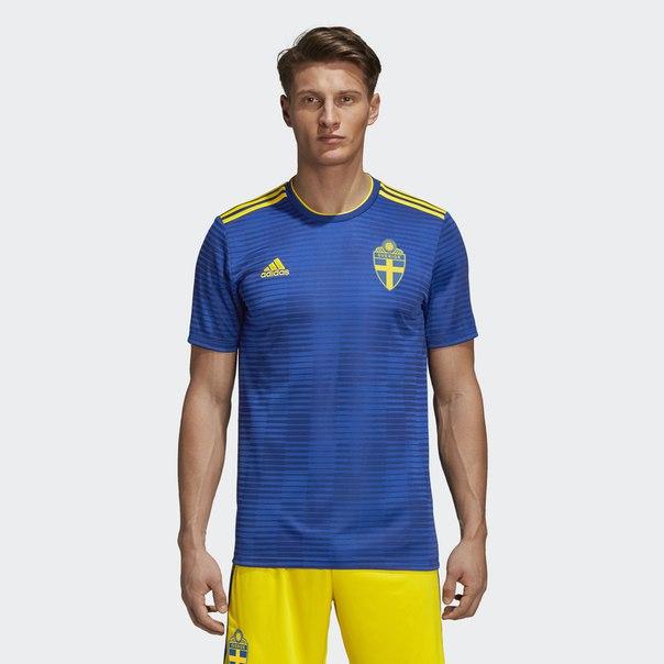 Гостевая игровая футболка сборной Швеции