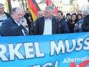 VOR ORT AKTUELL - MERKEL-MUSS-WEG-MITTWOCH VOM 4.APRIL IN BERLIN - MITTE. MIT LEYLA BILGE , ... .