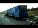 зерновоз МАЗ тянет вагон MAZ grainsman pulls a car