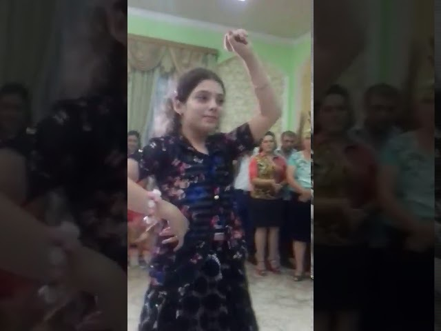 Gözəl qızdan gözəl rəqs-Красивый танец от красивой девушки