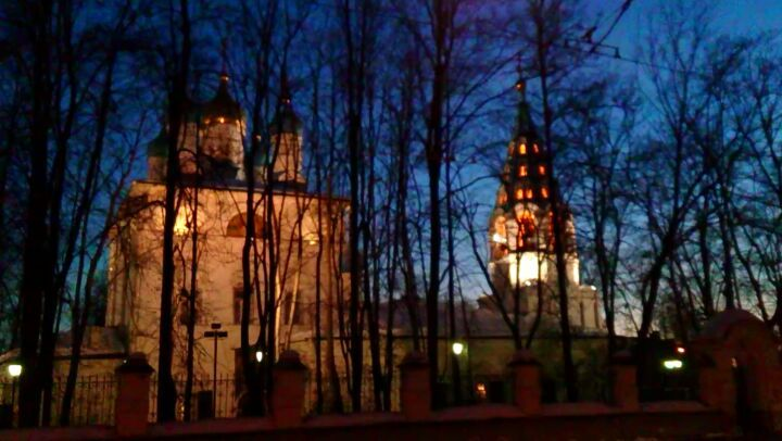 Храм святых апостолов Петра и Павла в Лефортово