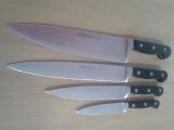 Проверка качества заточки испанских кухонных ножей.
