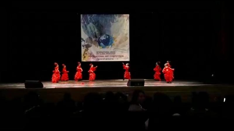 нородные танцы Астана OKTAVA