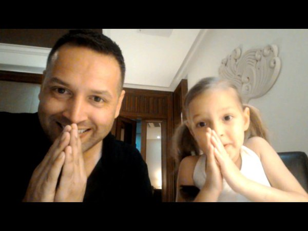 5 Year Old Polyglot Alice and Stu Jay Raj Speak Thai, Chinese, Russian, English