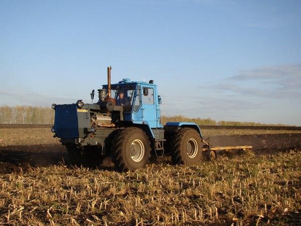 T-150 plowing Трактор ХТЗ Т-150К вспашка