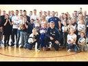 Болельщики на базе «Динамо», красно-белый «Зенит», готовимся к матчу в Санкт-Петербурге