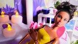 Nicoles SPA Salon - Roxy bekommt eine Wohlfhltherapie