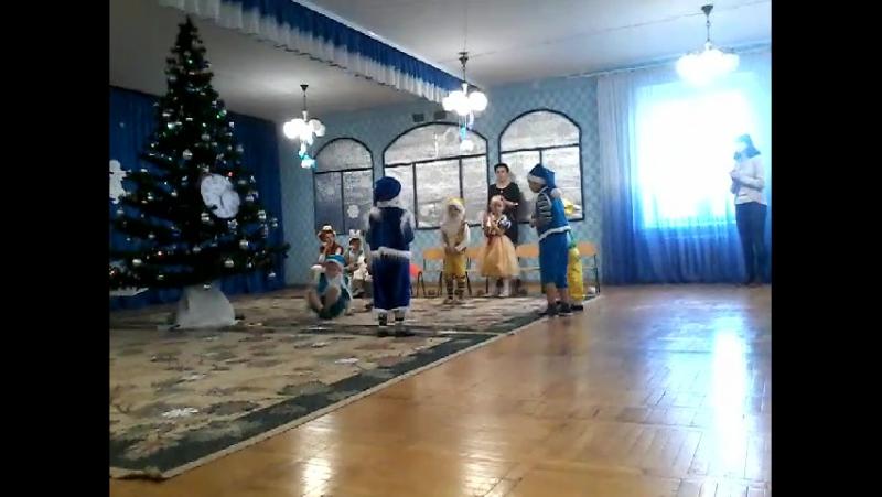 запальний танок гномиків-вихованці спец.б групи