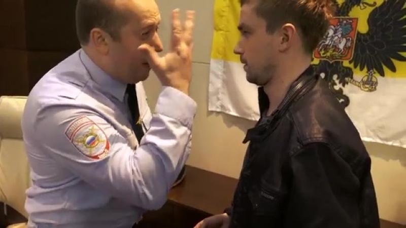 Володя Яковлев рассказывает о спиннерах Грише Измайлову