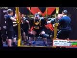 Влад Алхазов присед 505 кг без экипировки с использованием коленных бинтов