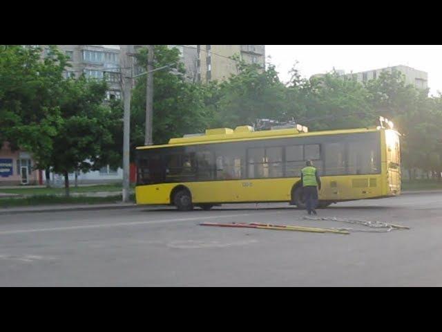 Разворот троллейбуса г. Сумы 11.05.2016