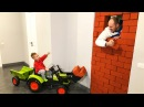 Baby РАЗЫГРАЛ папу кирпичами Unboxing And Assembling The POWER Wheel Ride on Tractor Buldozer
