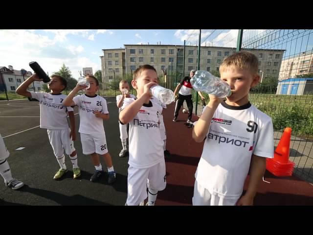 В гостях у юных футболистов Футбольного клуба