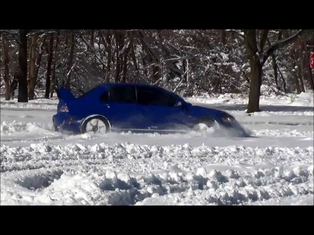 Mitsubishi Lancer Evolution VIII Snow