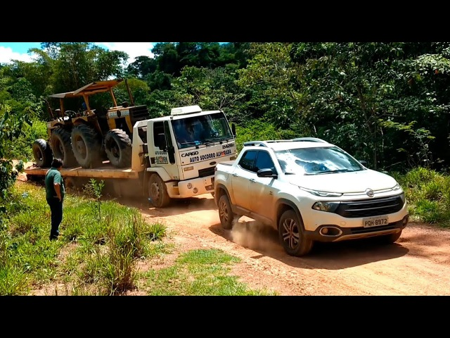 Amazing 4x4 Driving Skills Pulling Big Truck Out Of The Mud