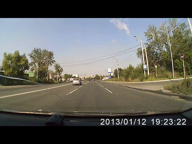 Челябинск. Даун на Газели г.н. К 561 ТТ 174 чуть не спровоцировал ДТП.