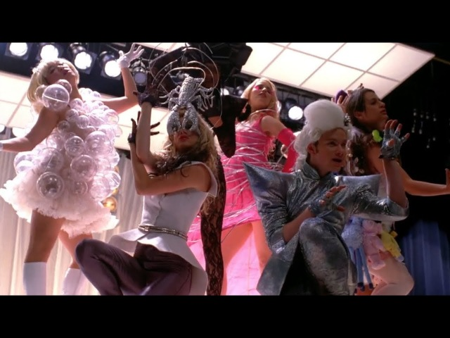 GLEE - Bad Romance (Full Performance) HD