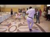 Танцевальный батл на свадьбе. Ржака. Таких движений ещё не видели, танец жениха