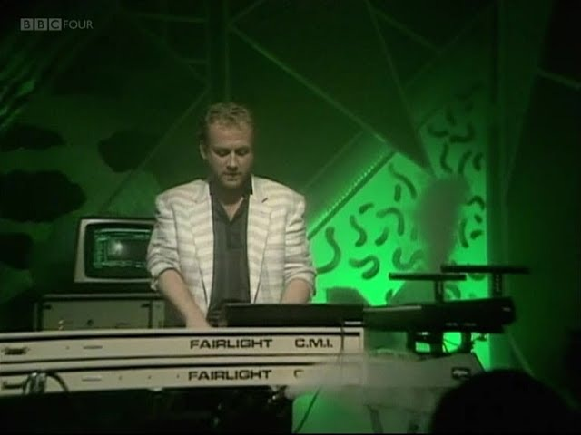 Harold Faltermeyer - Axel F 1985 (HQ, Top Of The Pops)