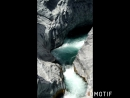 Горное ущелье реки Алькантара, ледяная вода, но некоторые умудряются купаться италия🇮🇹 сицилия алькантара alcantara ущел