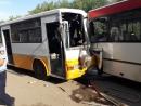 В Уральске автобусные гонки довели до крупной аварии