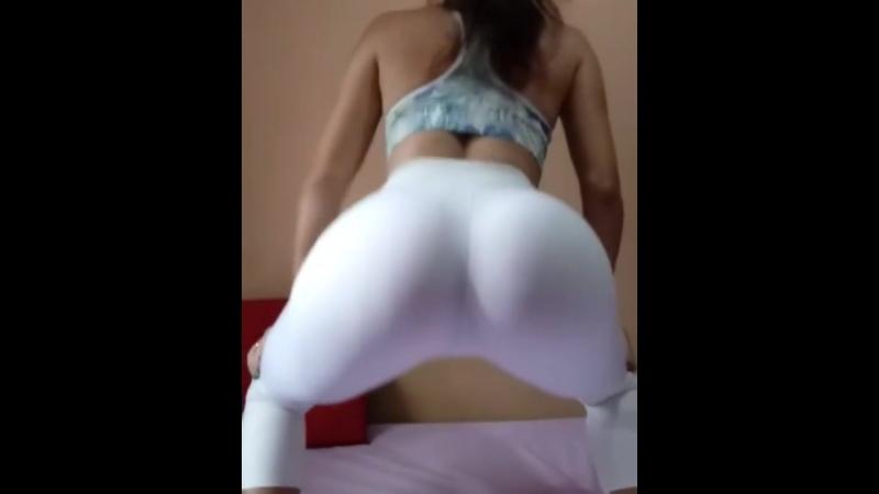 Сочная попка в лосинах (порно, секс, эротика, попка, booty, anal, анал, сиськи, boobs, brazzers)