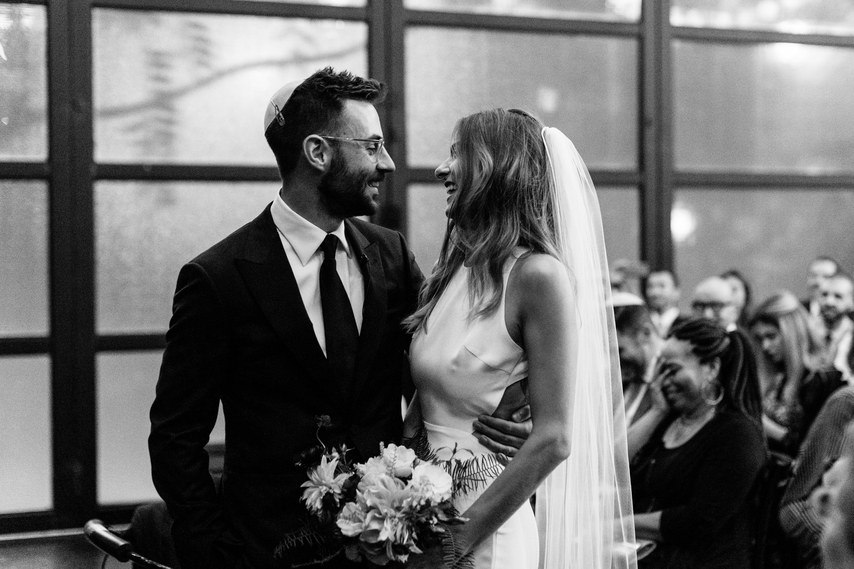 cXuwfAo8lWI - С чем не стоит торопиться после помолвки