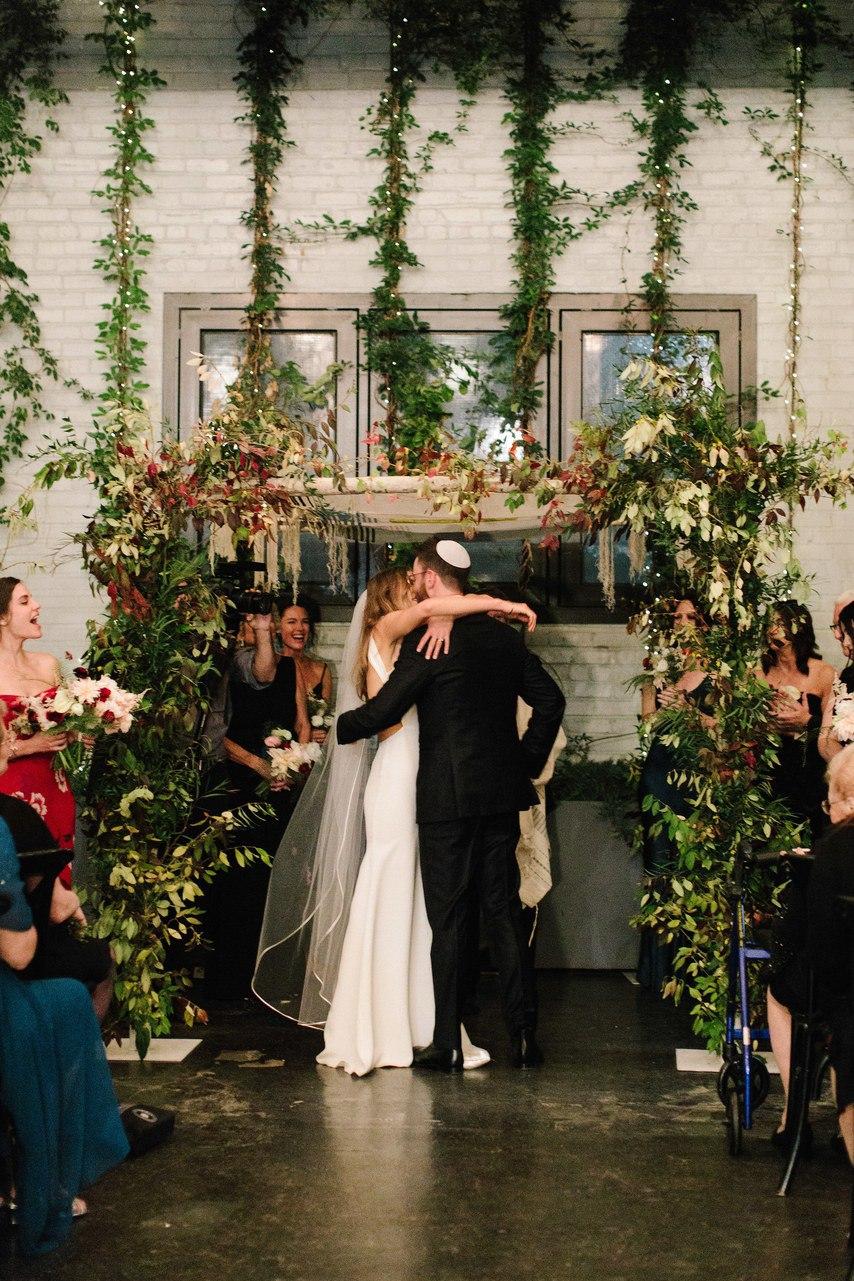 ZDLAhuH GJU - С чем не стоит торопиться после помолвки