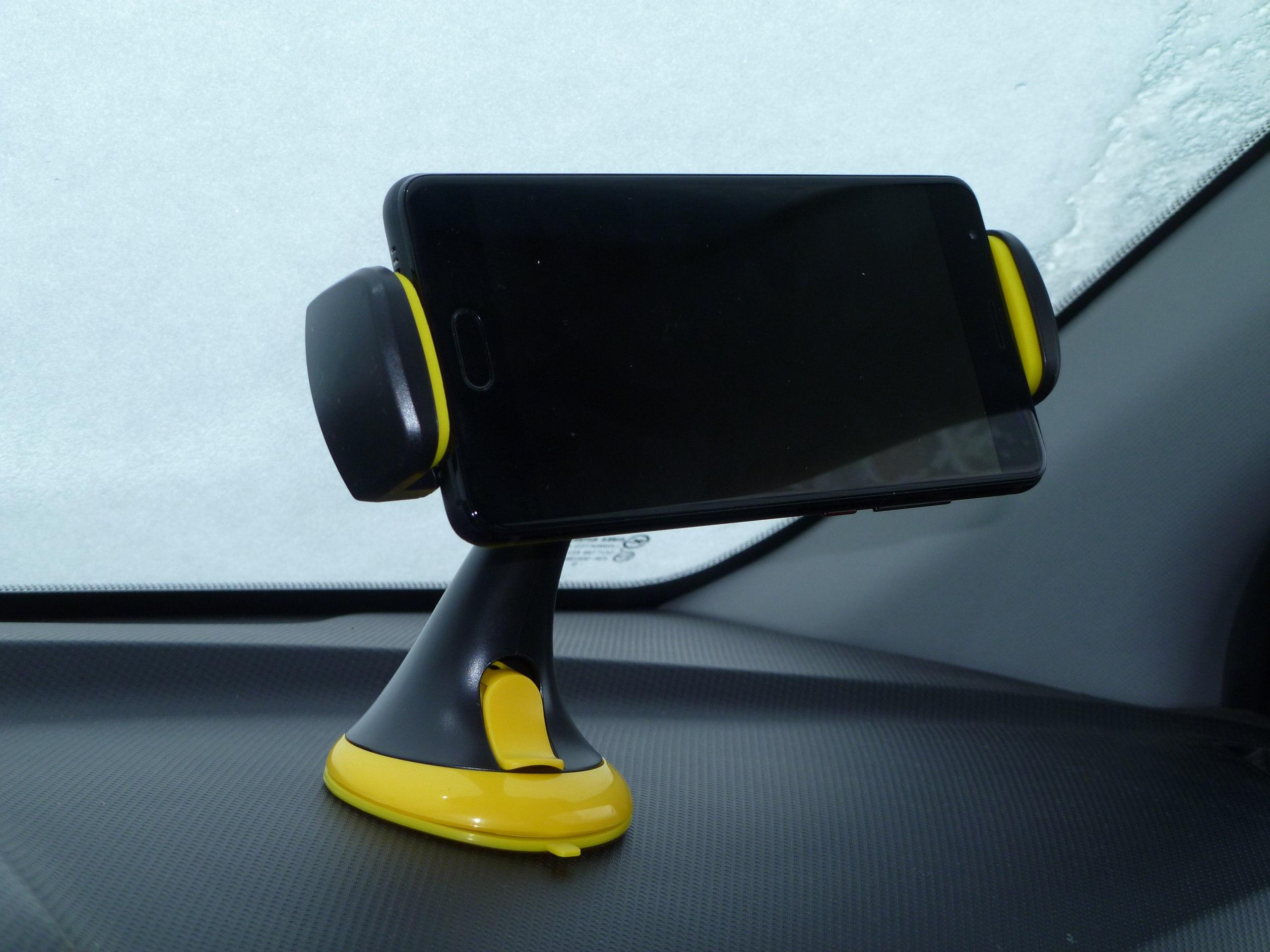 Всем привет Обзор на очень полезные штуки для смартфона и планшета док-станция для любых iOS-устройств с разъемом Lightn