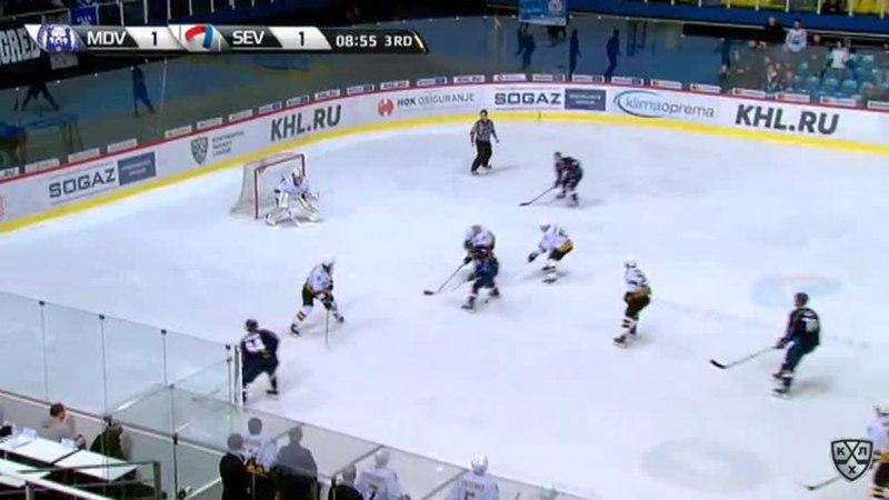 Моменты из матчей КХЛ сезона 17/18 • Гол. 2:1. Паре Франсис (Медвешчак) забрасывает шайбу в ворота соперника 09.01