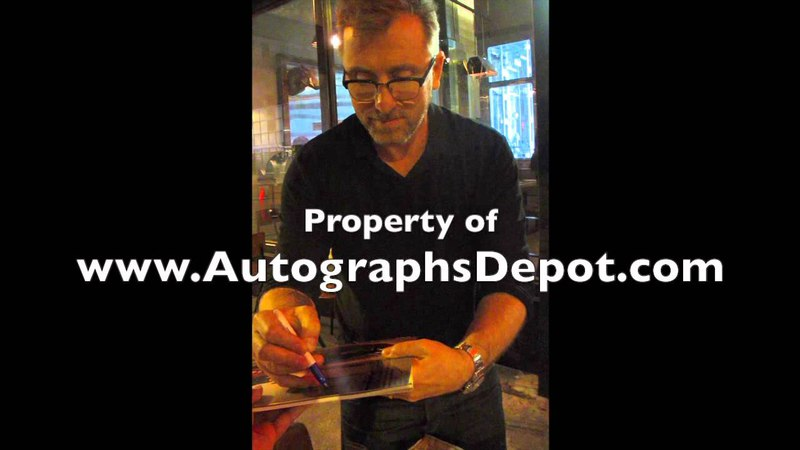 Tim Roth signing autographs in Los Angeles