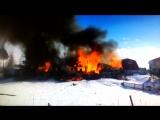 В Югре в районе «Царских бань» горят жилые дома