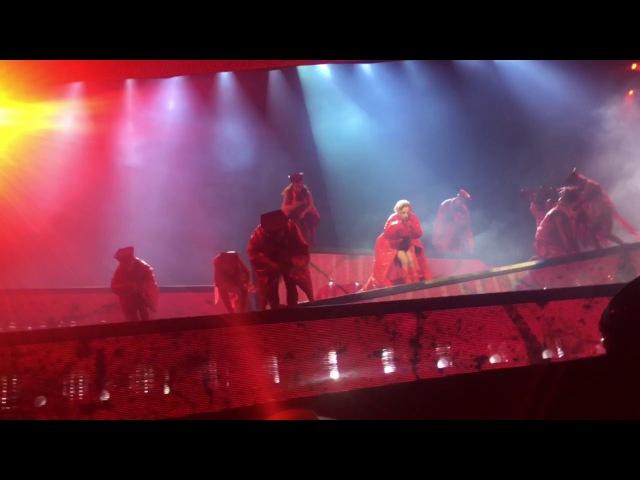 Lady Gaga - Bloody Mary (Live @ JWT Barcelona)
