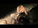 Нильский крокодил противостоит двум львам