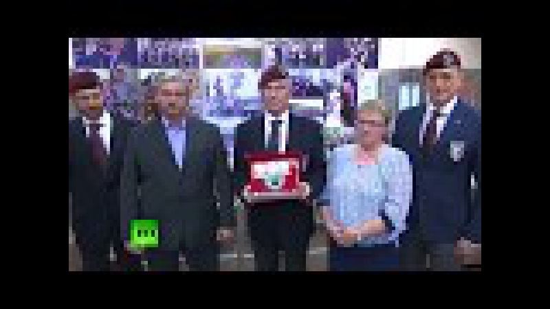Итальянская делегация встретилась с родителями погибшего в Сирии героя России ...