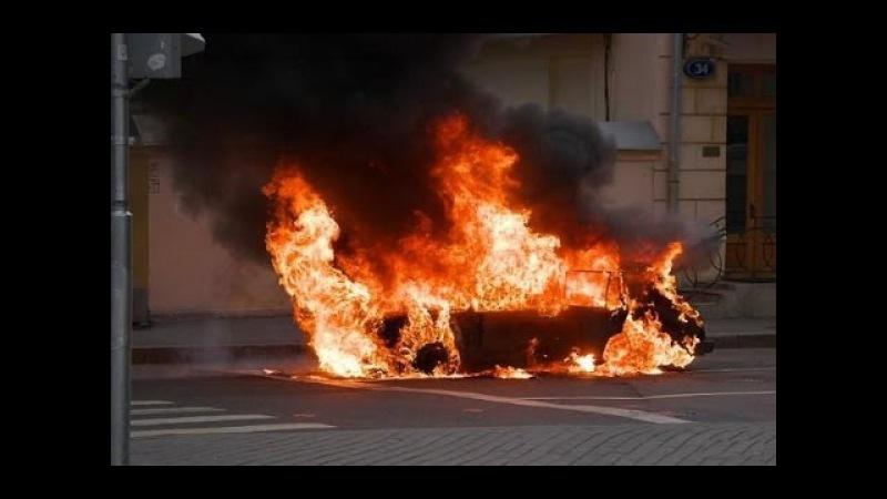 Страшные аварии и ДТП. Подборка грузовиков, мотоциклов и пешеходов. [Жесть, мясо]