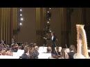 Зрительница вскрикнула от испуга рассмешив зал оркестр и дирижёра видео