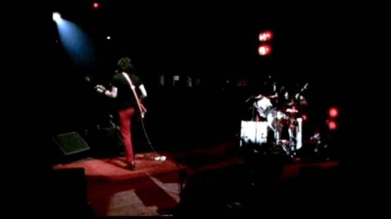 The White Stripes - Dead Leaves And the Dirty Ground - Under Blackpool Lights